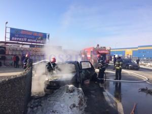 pompieri masina incendiu