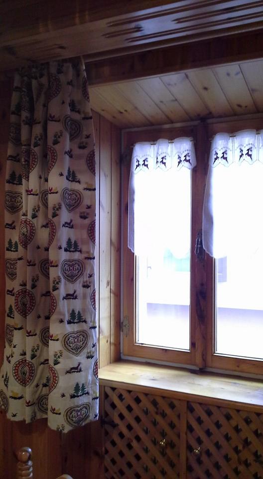 Tenda oscurante (145 x h260 cm) patchwork montagne : Bottega Del Decoro Case In Montagna Piazzola Sul Brenta