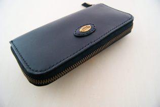 ラウンドファスナーの長財布