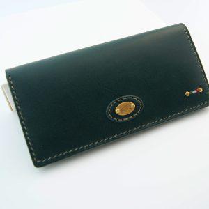 彼氏へのプレゼントにおすすめの革財布