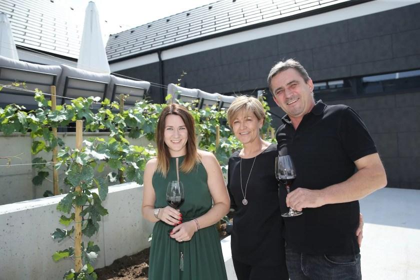 Familie Pfneisl vom Weingut Pfneisl im Burgenland