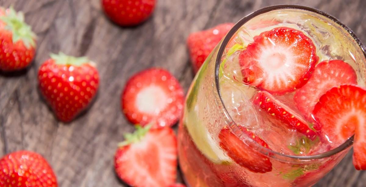 Erdbeerbowle und Co: Welcher Wein kommt hinein?