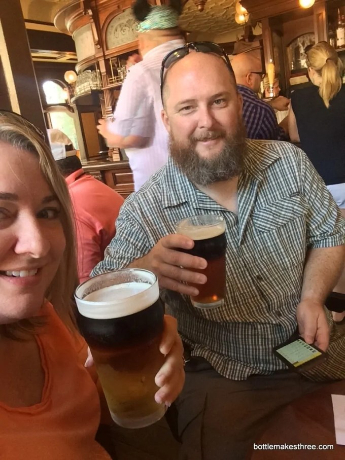 8 Tips for Enjoying Beer While Travelling | bottlemakesthree.com