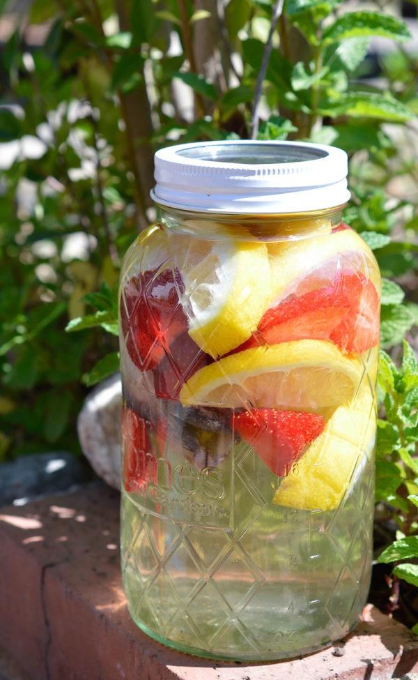 Strawberry Lemon Sun Tea