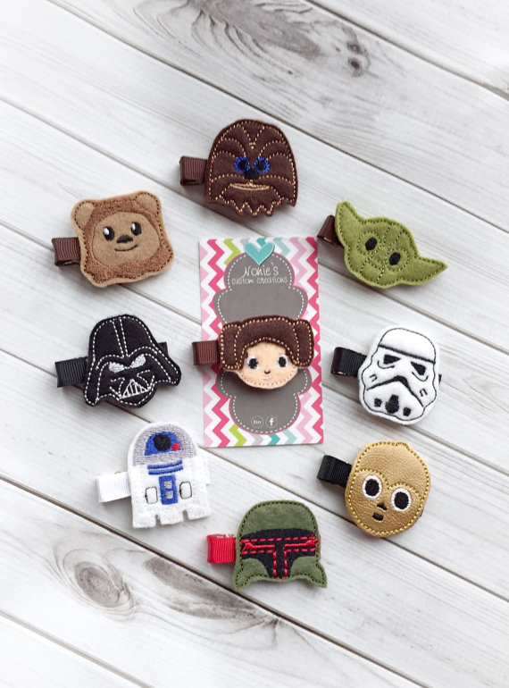 Star Wars Hair Clip from NoniesCustomCreation   Star Wars Gift Guide   Bottom Left of the Mitten