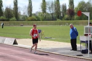 Damien au bout de l'effort après 5000m de marche