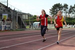 Amandine à la lutte sur 100m