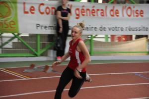 Laura bat son record sur 200m également!