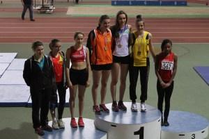 Le podium des minimes filles avec Rébecca 4ème et Marion 5ème
