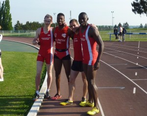 Fabien, William, Julien et Mbaiti ont survolé le 4x400m