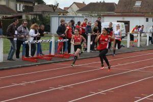 Anathée et Ethel à la lutte sur 100m
