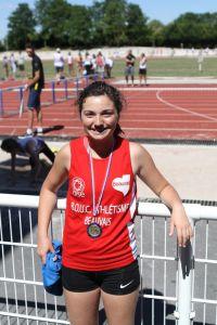 Léa médaillée de bronze au poids et d'argent au disque
