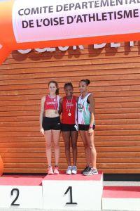 Rébecca et Marion sur le podium du 400m haies
