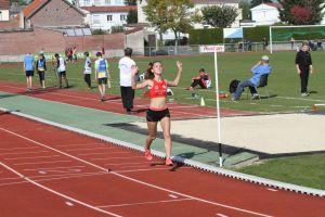 Laura victorieuse (facilement!) sur 1500m