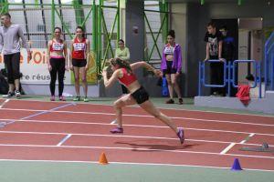 Marion parfaitement placée au départ du 400m