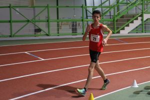 Valentin pendant son 5000m marche