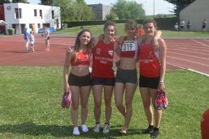 la team 4*400m F