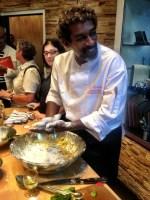 Chef Guy Ferdinand qui prépare des féroces!