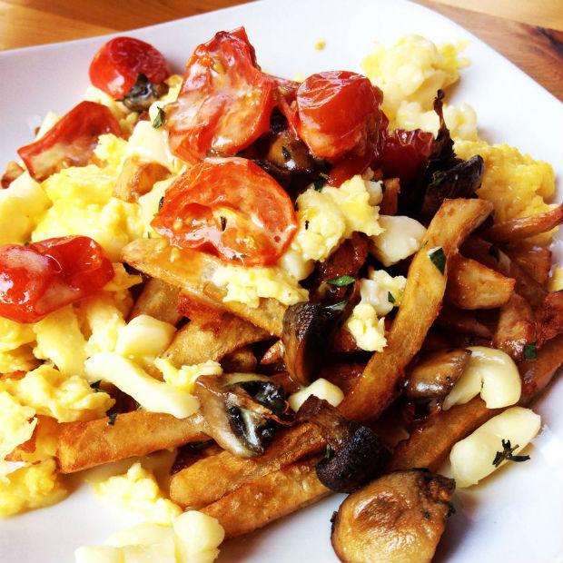 BreakfastPoutineLolaRosa