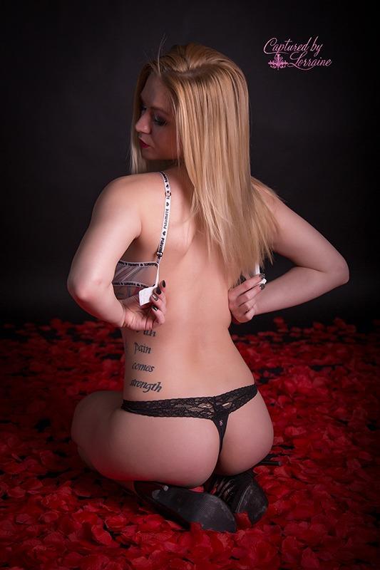 9 Boudoir photos with rose