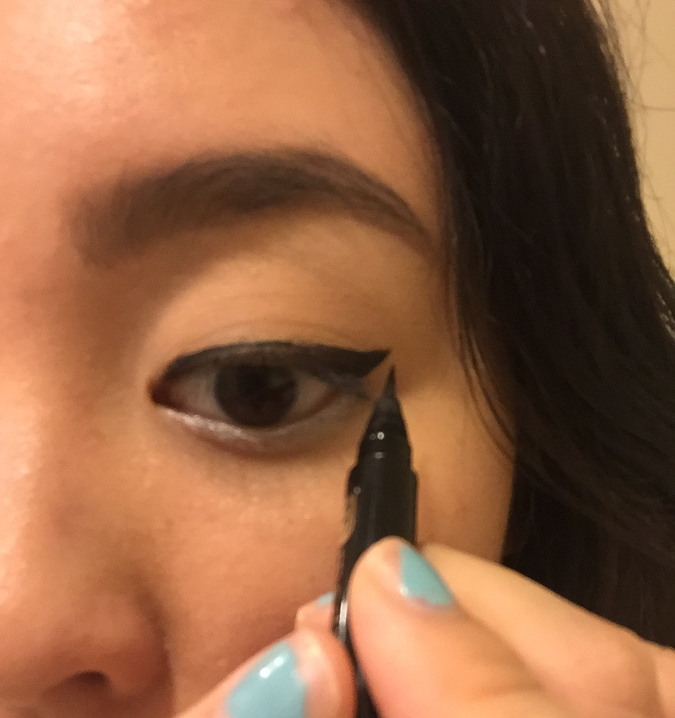 Tutorial: Winged Eyeliner