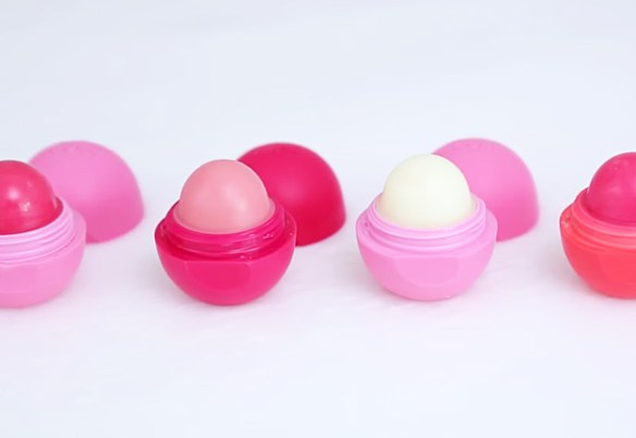 DIY-5-Minute-Lip-Balm-7.jpg