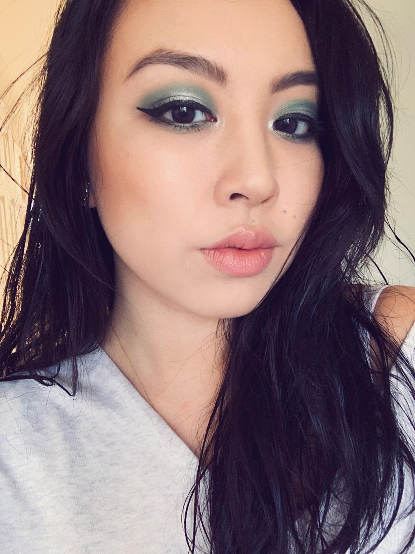 Stars & Signs Beauty Lookbook: Aquarius