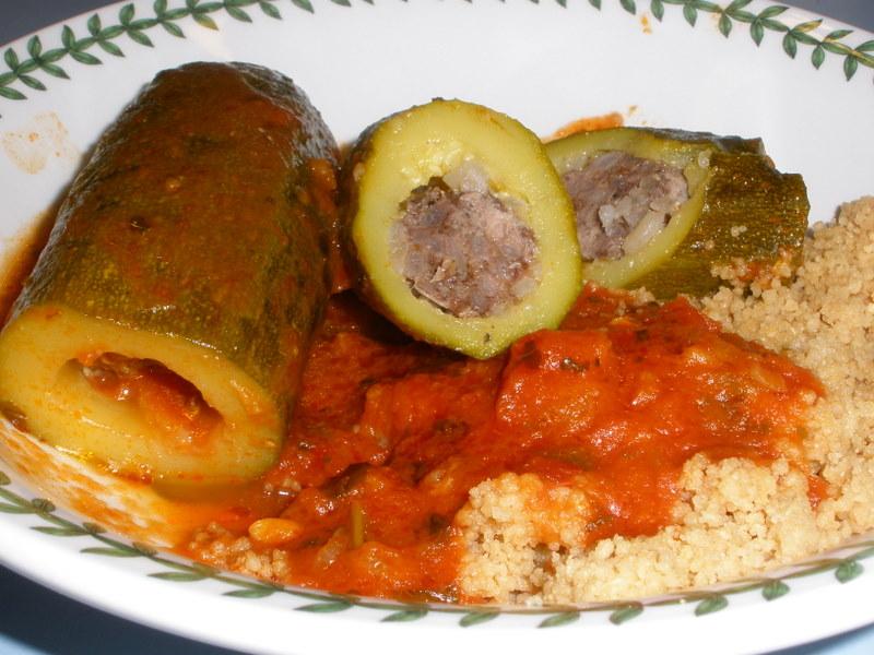 zucchini stuffed with lamb and rice