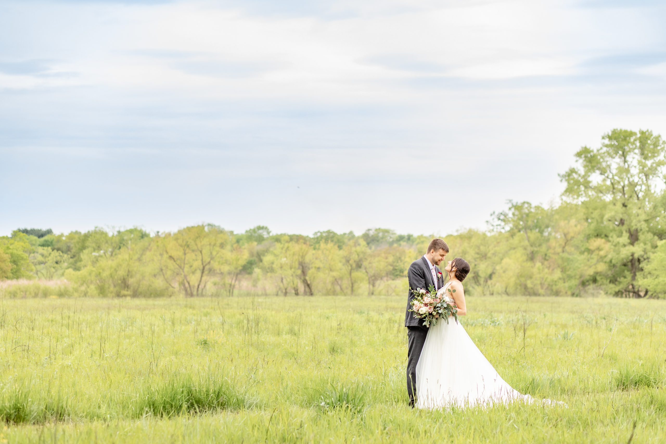 bride and groom, couple, wedding day, field, southern illinois photography