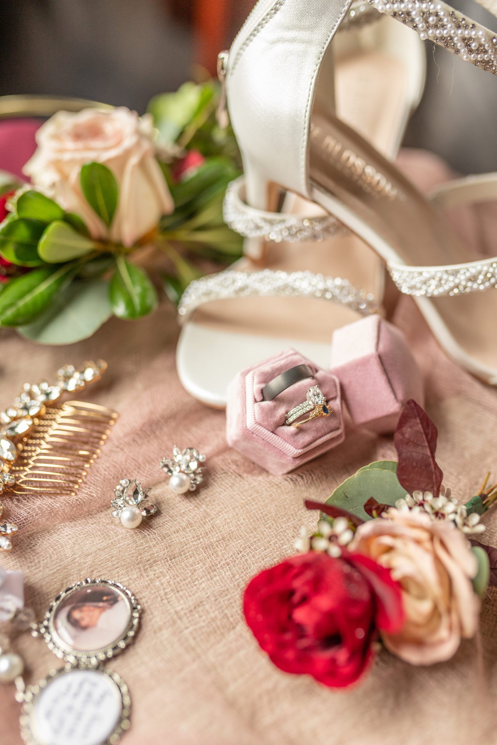 wedding day details, bride's details, diamond earrings, jeweled gold hair comb, light pink, red roses wedding heels,bride and groom, pine tree forest, southern illinois photography