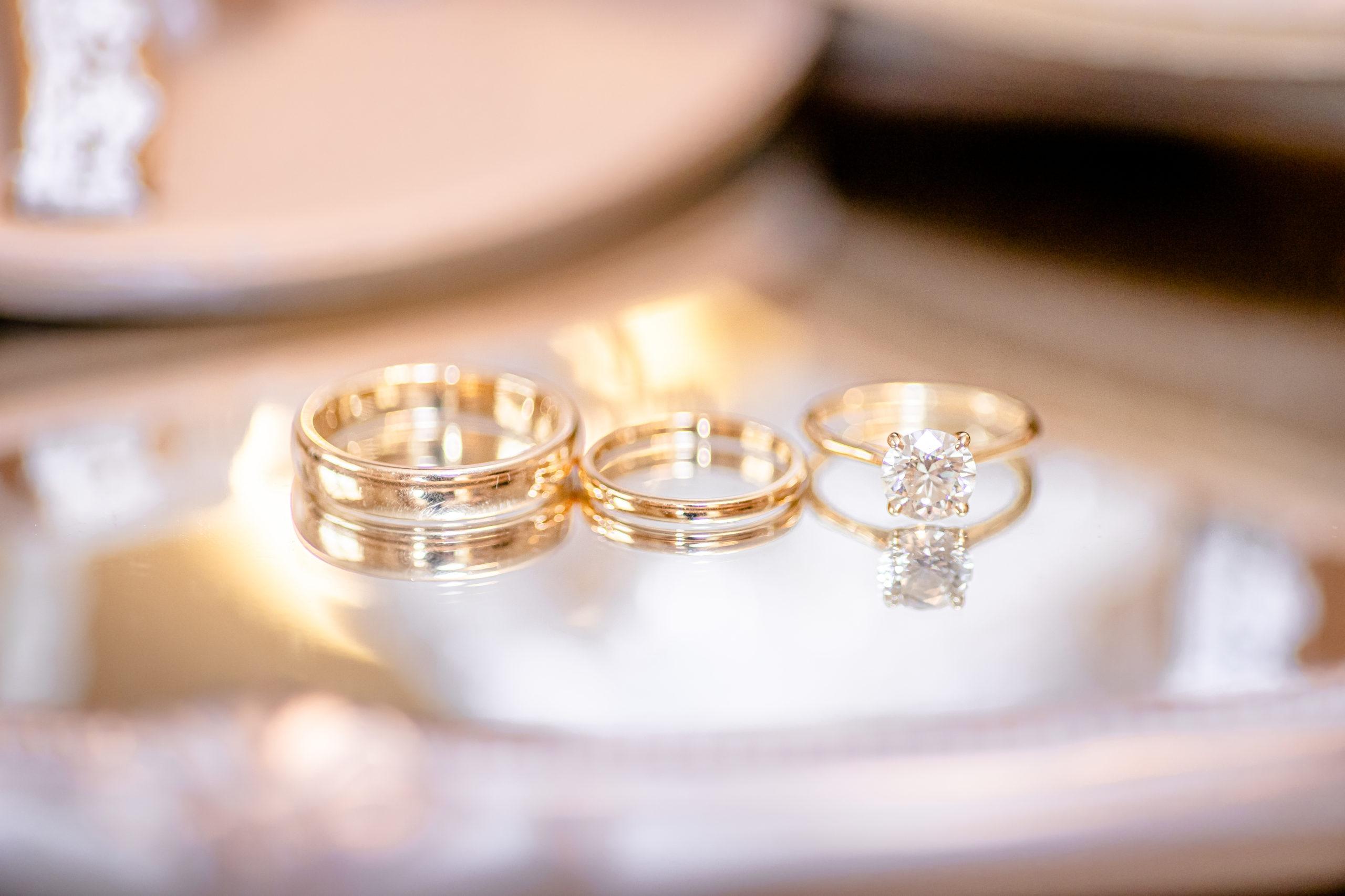 wedding photography, summer romance wedding, southern illinois wedding photography, wedding ring details, gold wedding bands, gold wedding rings