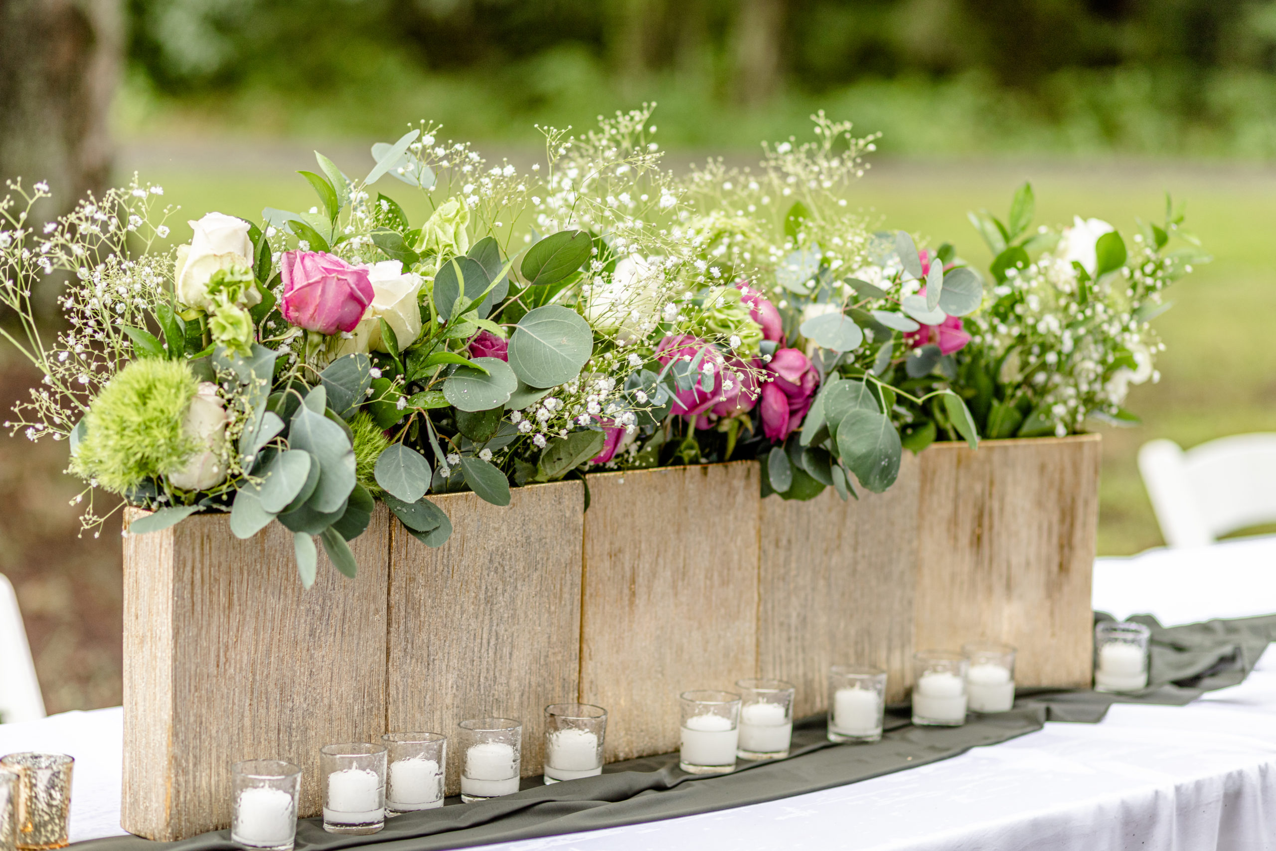 wedding florals, wedding greenery, wedding centerpieces, wedding succulents, pink and green wedding flowers, pink and green wedding centerpieces, wedding table arrangements