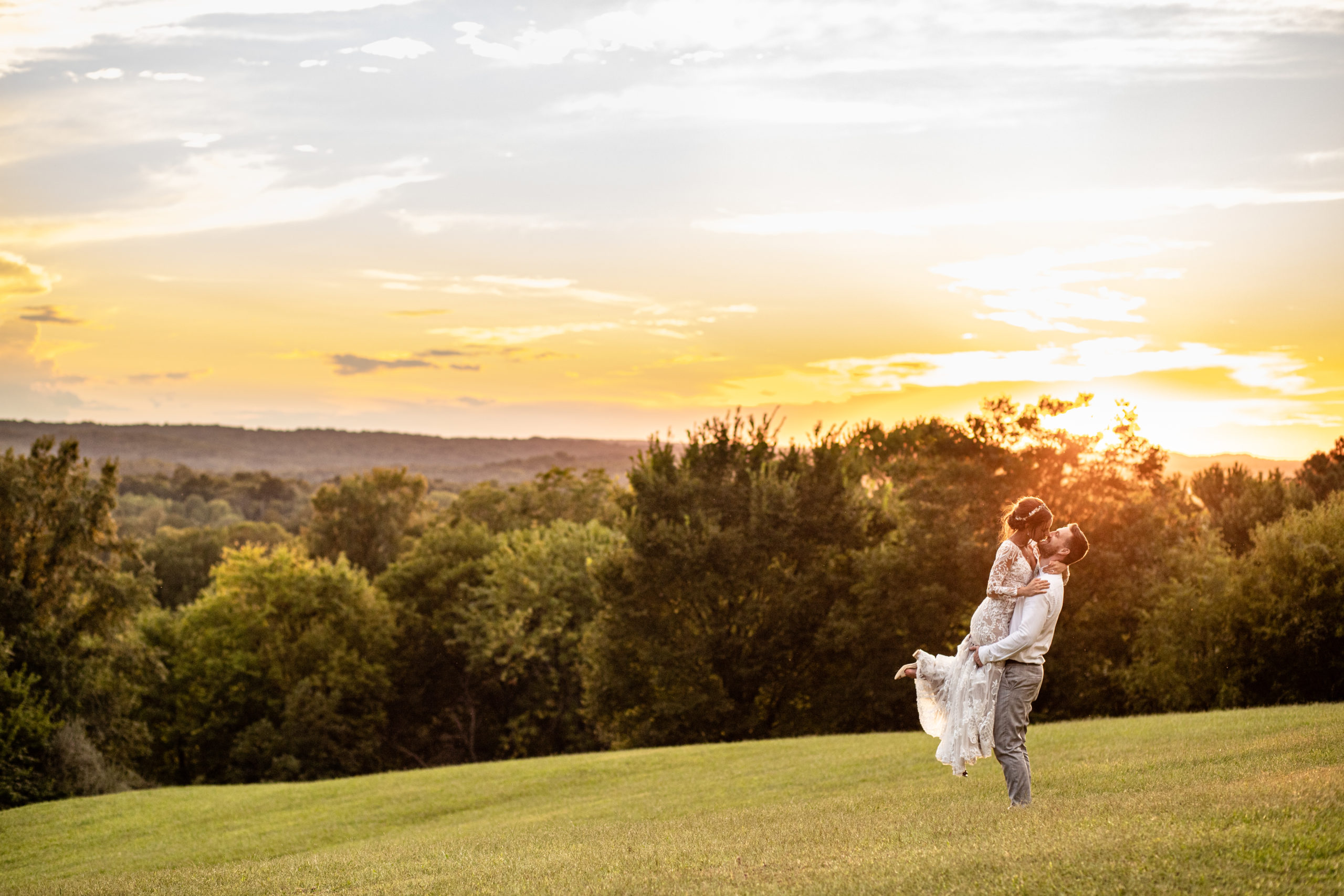 sunset wedding portrait, golden hour, wedding photography, southern illinois wedding photography