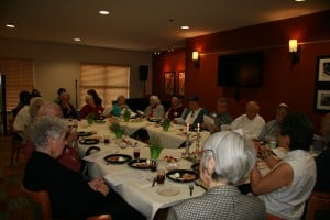 A large group of residents enjoy Passover at The Carillon