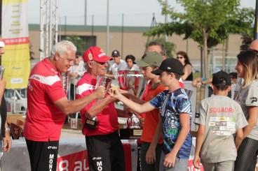 Les arrières petits enfants Luiggi à l'œuvre lors de la remise des trophées aux finalistes
