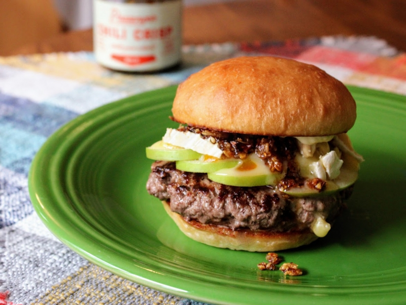 Chili crisp and green apple brie burger