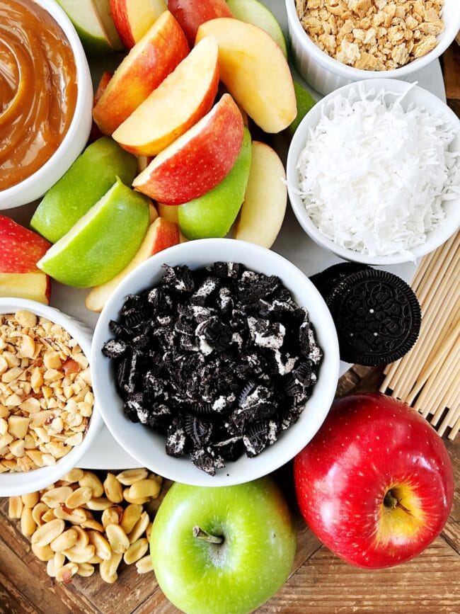 easy caramel apples with toppings