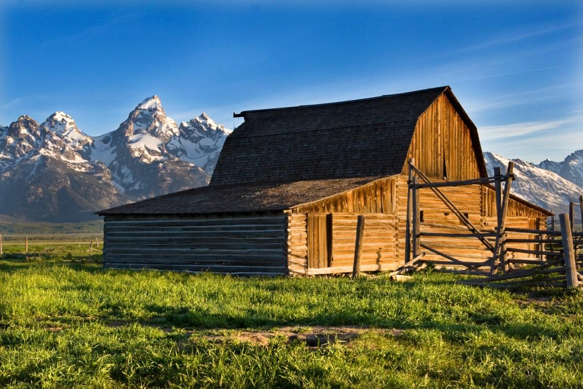 Grand-Tetons-View-Barn