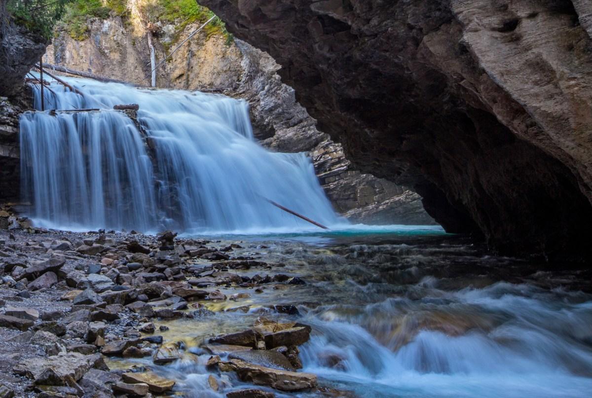 banff-johnston-canyon-secret-cave-river
