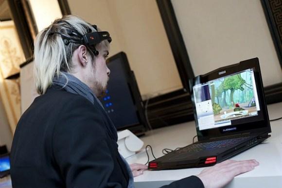 Cocoto Brain (Kylotonn Games) : un « Casual game » basé sur l'activité cérébrale, Entertainment pour la console Wii de Nintendo. Le joueur doit protéger une fée en empêchant tous les ennemis de s'approcher d'elle. Le joueur doit se concentrer sur les cibles situées au-dessus des ennemis pour les neutraliser. OpenViBE2 (2009-2013) est un projet de recherche collaborative financé par l'ANR sur le potentiel des technologies dites d' «interface cerveau-ordinateur » (ICO), (en anglais Brain-Computer Interface ou BCI), dans le domaine des jeux vidéo.  Pour la première fois, un projet a réuni l'ensemble des expertises requises au sein d'un consortium pluridisciplinaire de 9 partenaires réunissant des laboratoires académiques pionniers dans le domaine (Inria, Inserm, CEA, GIPSA-Lab), des industriels du jeu vidéo reconnus (UBISOFT, BLACKSHEEP STUDIO, KYLOTONN GAMES) et des spécialistes des usages et du transfert (LUTIN, CLARTE).