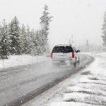 【防災】冬道の車運転の注意点|気をつけたい道路やドライブの対策・コツ