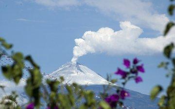 【映像あり】メキシコ富士・ポポカテペトル山の大爆発・噴火の瞬間|UFOの目撃情報も