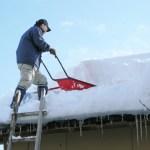 【防災】除雪中・雪下ろしの事故に注意|油断と無理は禁物!一人で作業するのは危険です