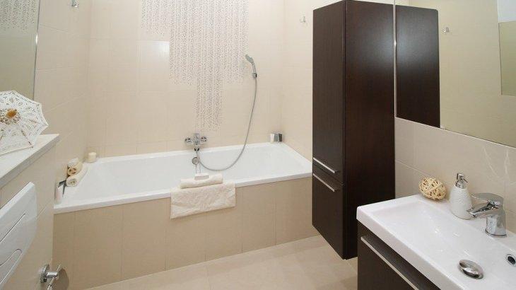 【防災】トイレ・お風呂で地震が発生した時どうすればいいの?ドアを開けて脱出経路を確保