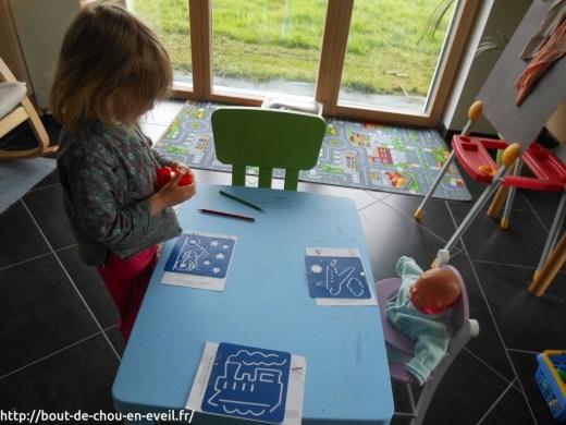 Activité enfant 3 ans pochoirs