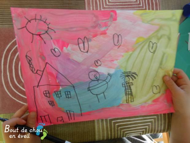 Fond en peinture et dessin au feutre noir. Lisette 5 ans et demi.