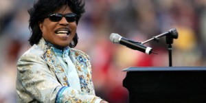 "Rock Pioneer ""Little Richard"" Passes Away at 87"