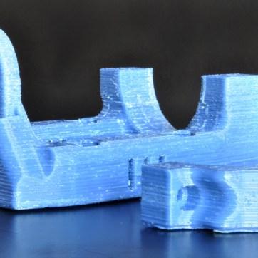 Peças impressas em plástico ABS.