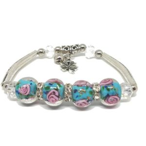 Bracelet-turquoise-perles-de-verre-roses.jpg
