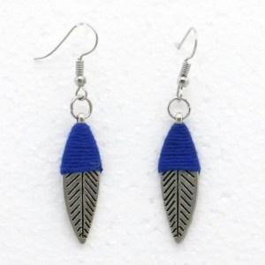 Boucles d'oreilles feuille métal fil bleu